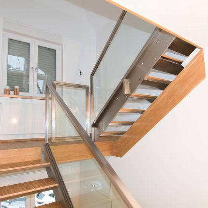 Treppenhaus Treppe aus Stahl mit Handlauf Witten