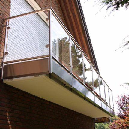 Geländer aus Stahl mit Glas Witten